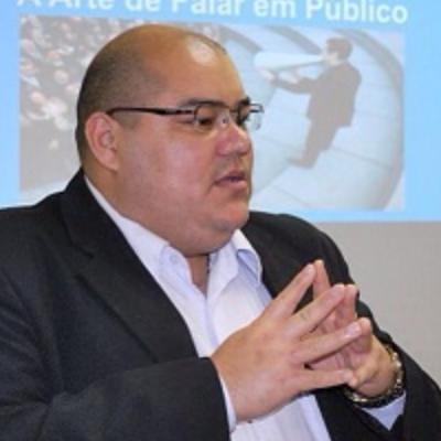 Professor Sena